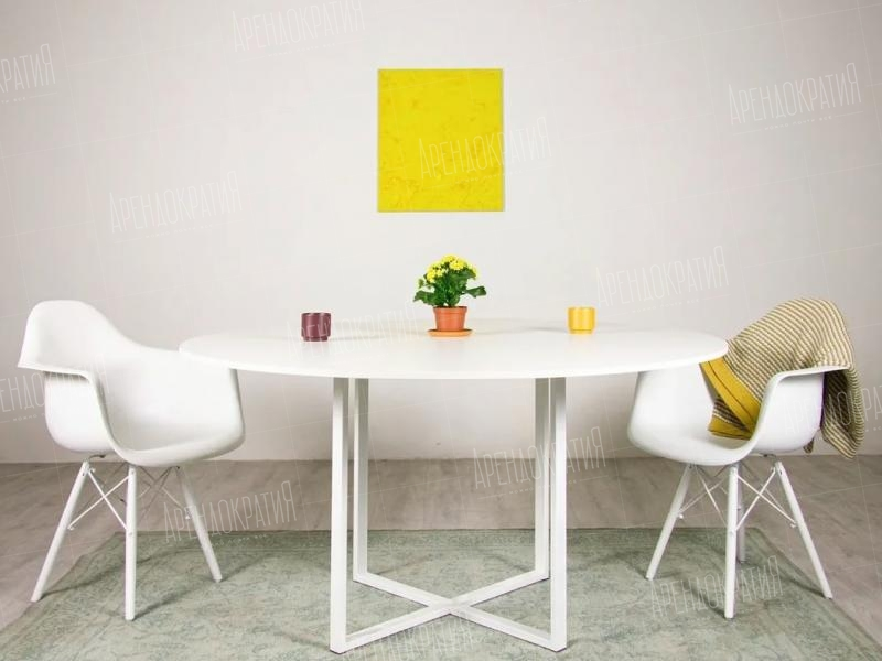 Стул Eames Basic White в интерьере