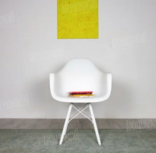Стул Eames Basic White в аренду
